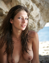 Valerina bares it all and shows us how much of a rock climbing freak she really is. - Valerina A - Asikas