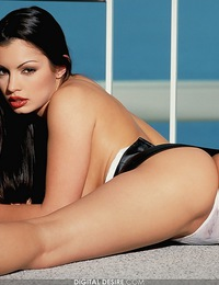 Aria Giovanni shows off her famous curves and beautiful face