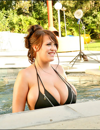 Candids of Leanne in zipper bikini