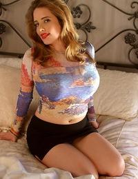 MaggieGreen-36DDD\\'s